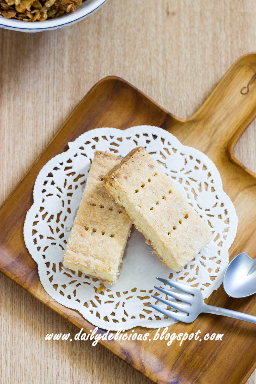 Dailydelicious Easy Macadamia Shortbread