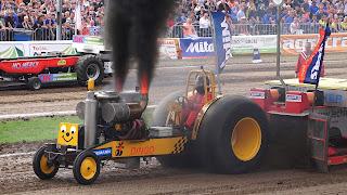 http://www.tractor-pulling.de/Fotos/putten2016/index.html