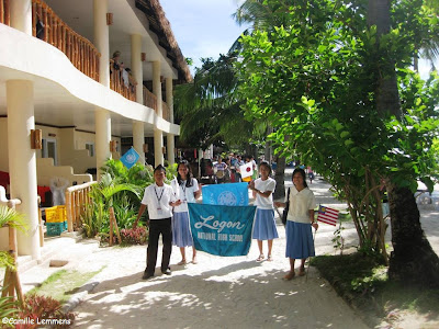 Malapascua, school procession