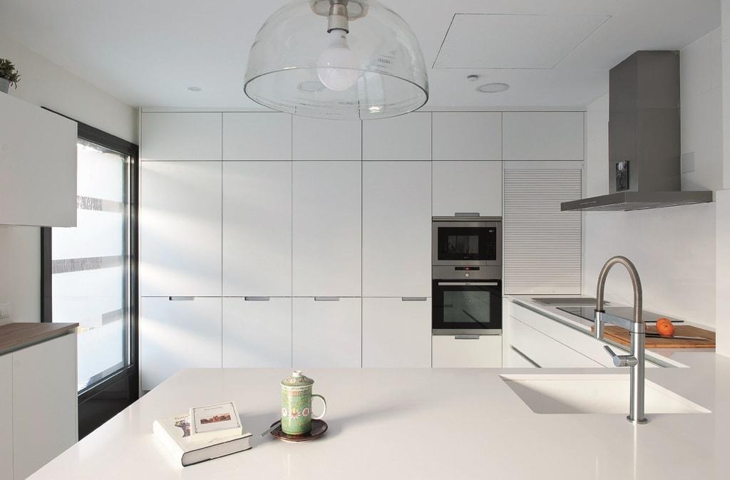Fusi n e individualidad la cocina con pen nsula cocinas - Disenar tu cocina ...