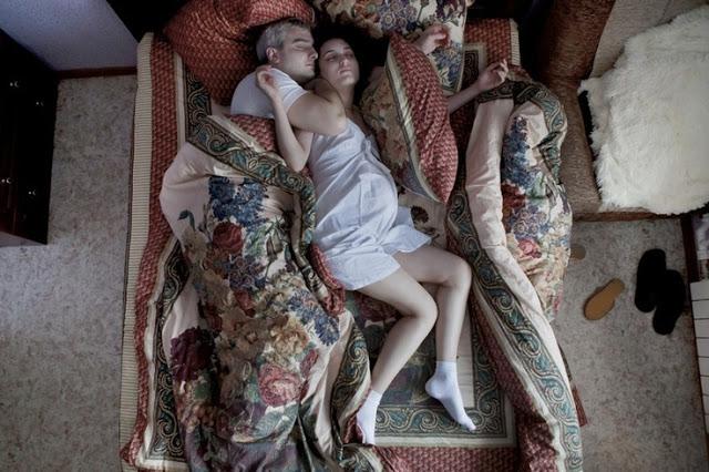Hasil gambar untuk NAUDZUBILLAH !! Beginilah Posisi Orang Tidur yang Dilaknat Allah SWT, Justru Banyak Orang Melakukannya...