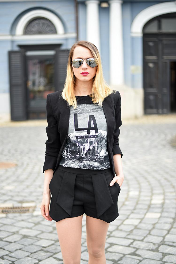Skinny Buddha Zara black shorts LA t-shirt