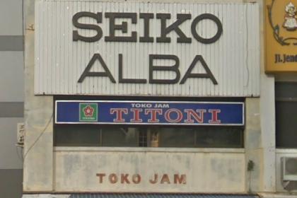 Toko jam Titoni (jalan jend Sudirman Pekanbaru)