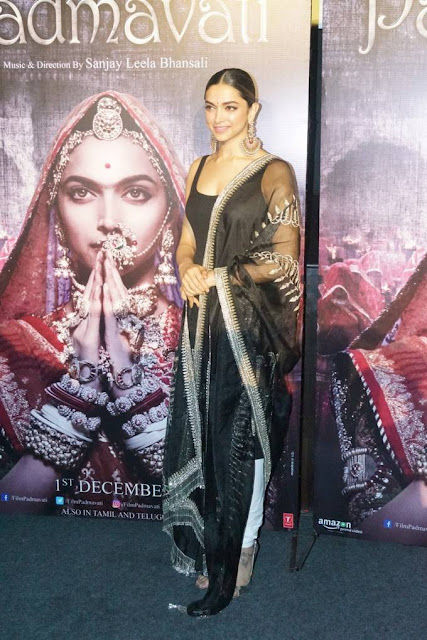 Deepika Padukone Stills At Padmavati 3D Trailer Launch