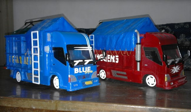 miniatur truk dari kayu ala indonesia malang