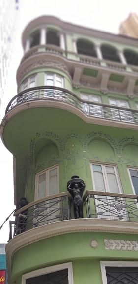 Esquina da Rua do Ouvidor com Avenida Rio Branco