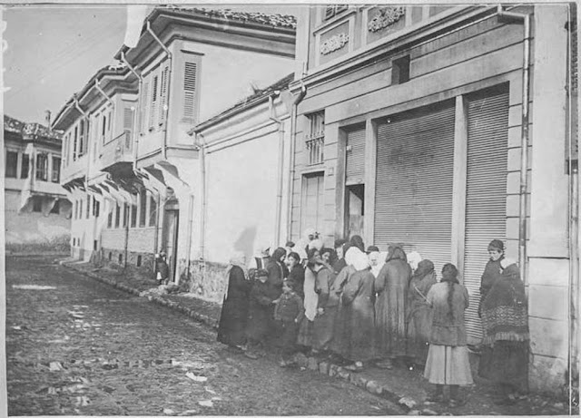 In the streets of Bitola (Monastir) - March 1917. People from Bitola waiting for bread distribution