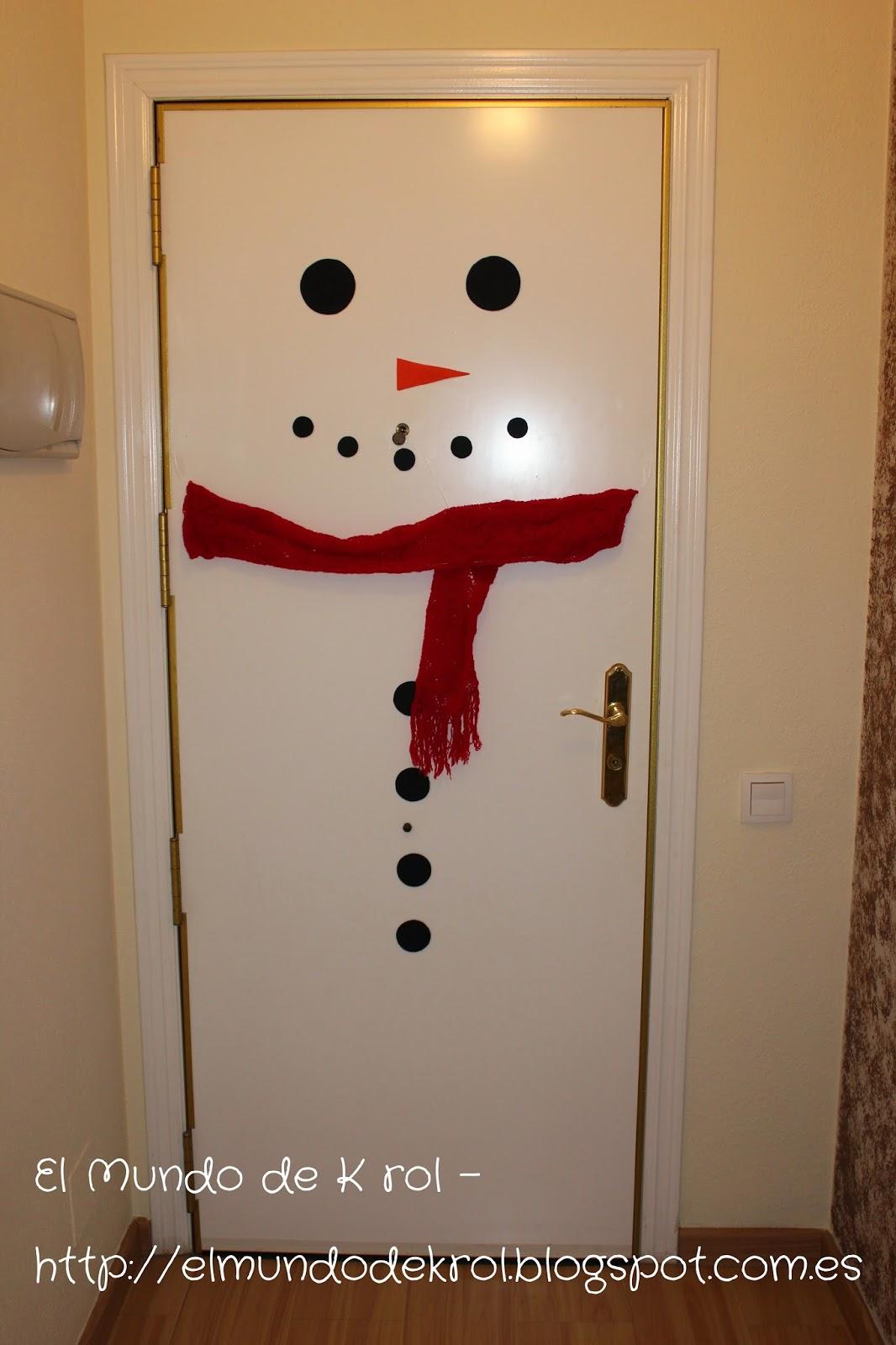 El mundo de k rol mu eco de nieve en puerta for Puertas navidenas decoradas 2014