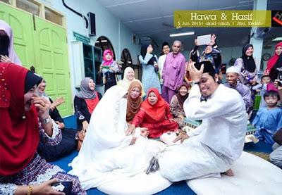 Pengantin Muslimah Malu Bersalaman Dengan Suami