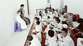 Adab Menuntut Ilmu dalam Islam Lengkap Beserta Dalilnya