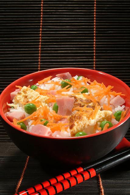 Orez chinezesc la wok