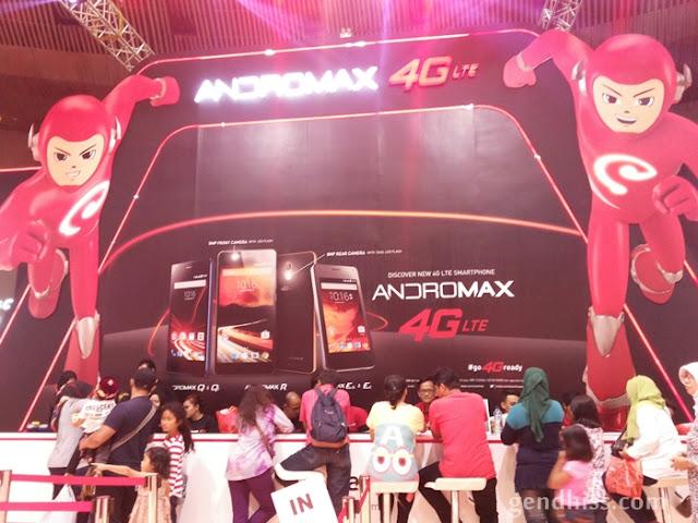 Antri pembelian Andromax di ICS