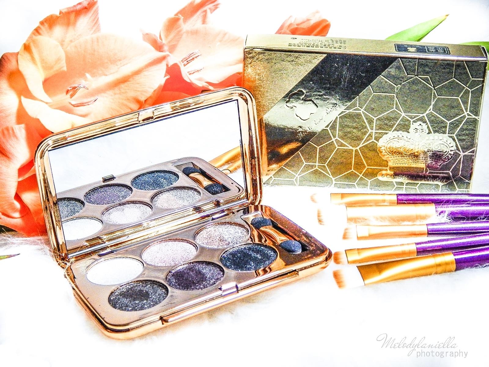 5 azjatyckie chińskie kosmetyki recenzja melodylaniella beauty paleta 6 cieni brokatowe cienie do powiek sammydress cienie do powiek ze złotem i brokatem na karnawał na sylwestra makeup