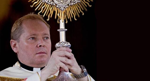 """Un cura indignado explota contra la Iglesia y la pederastia: """"Me quiero ir de este negocio de corrupción"""""""