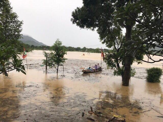 Toàn cảnh lũ lụt tại Ninh Bình và hoạt động cứu trợ tại Thanh Hoá - Ảnh minh hoạ 25