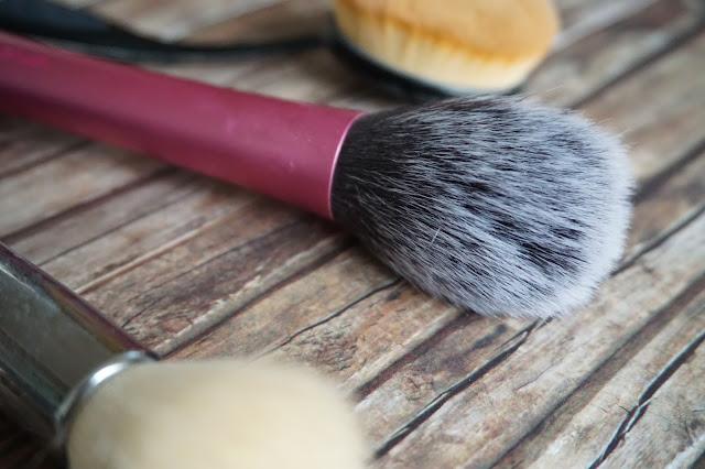 realTechniques - Blush Brush