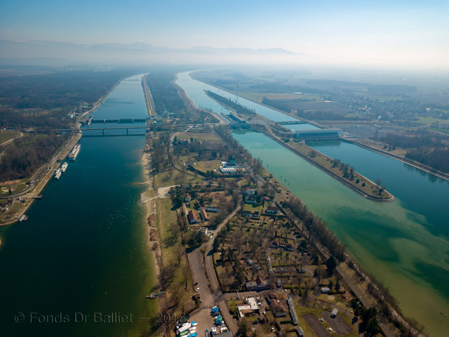 Pont routier de Brisach (vue aérienne, mars 2018)