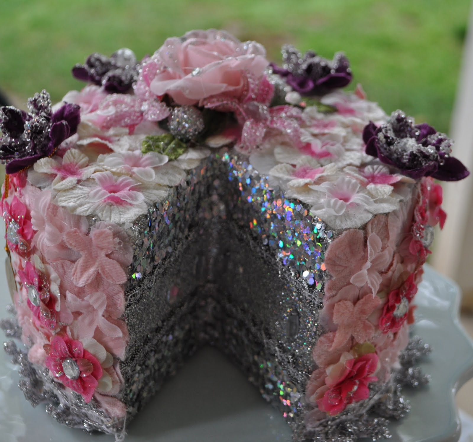 Madeleine Lamour Fancy Cakes