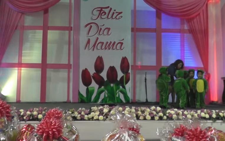 Ambientaci n para la celebracion del d a de la madre for Decoracion para el dia de la madre
