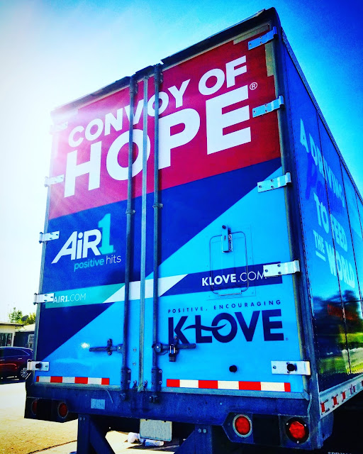 Volunteers Volunteering Volunteer Convoy of Hope building community Los Angeles California feeding the homeless hope kindness klove national breast cancer foundation Ted Watkins Memorial Park