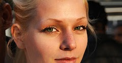 Natural Ways To Tighten Skin Under Eyes