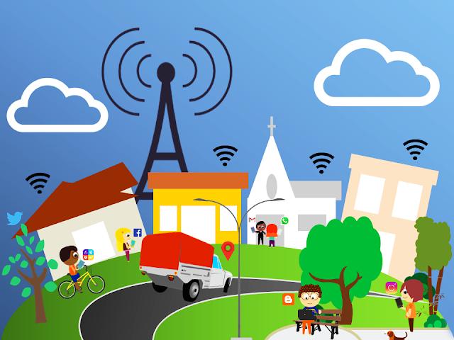 area urbana, casas predios antena de transmissão, sinal wi-fi, pessoas acessando smartphones e computador em praça - Imagem ilustrativa