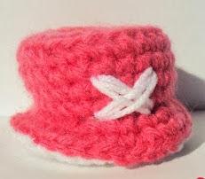 http://amigurumimx.blogspot.mx/2012/11/patron-amigurumi-gratis-sombrerito.html
