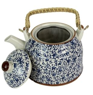 Un ceainic numa' bun, cu pahare cu tot
