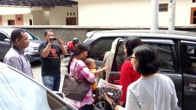 Wanita Asal Jebres Solo Ini Disiksa Majikan, Anak Balitanya Dimasukan Kedalam Kulkas.
