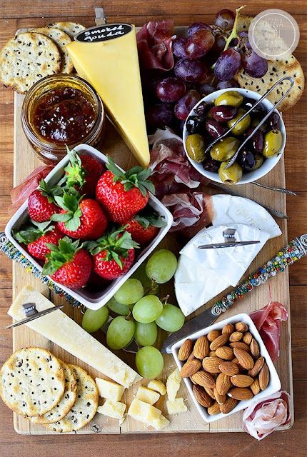 Valentine's Day, romance, romantic, dinner, decor, food, recipes, cheese platter, fruit platter, wine and cheese, love, dinner date, candlelit dinner, Valentine's dinner, wine