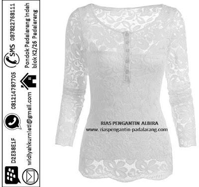 Sewa Gaun Wisuda warna putih di Sadang Purwakarta