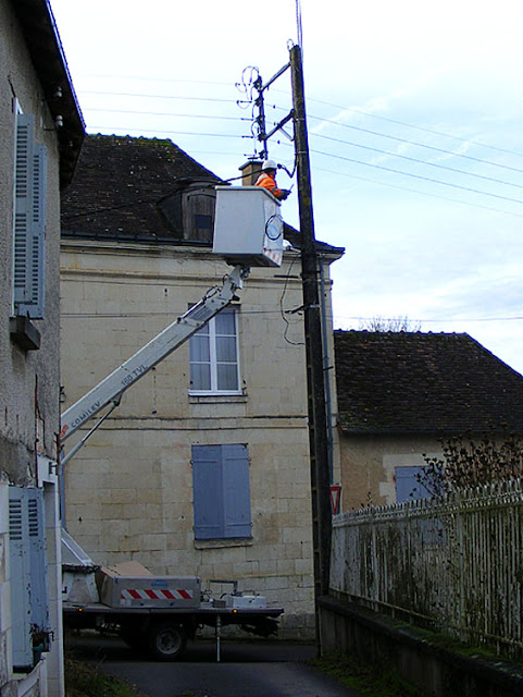 New low energy street lighting was installed in Preuilly sur Claise at the end of 2018. Photo taken by Susan @ https://tourtheloire.com