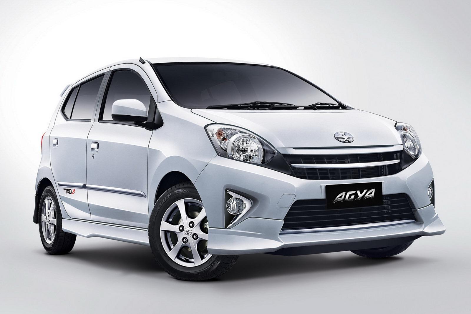 Spesifikasi Toyota Agia dan Daihatsu Ayla  gerobak tanah tua