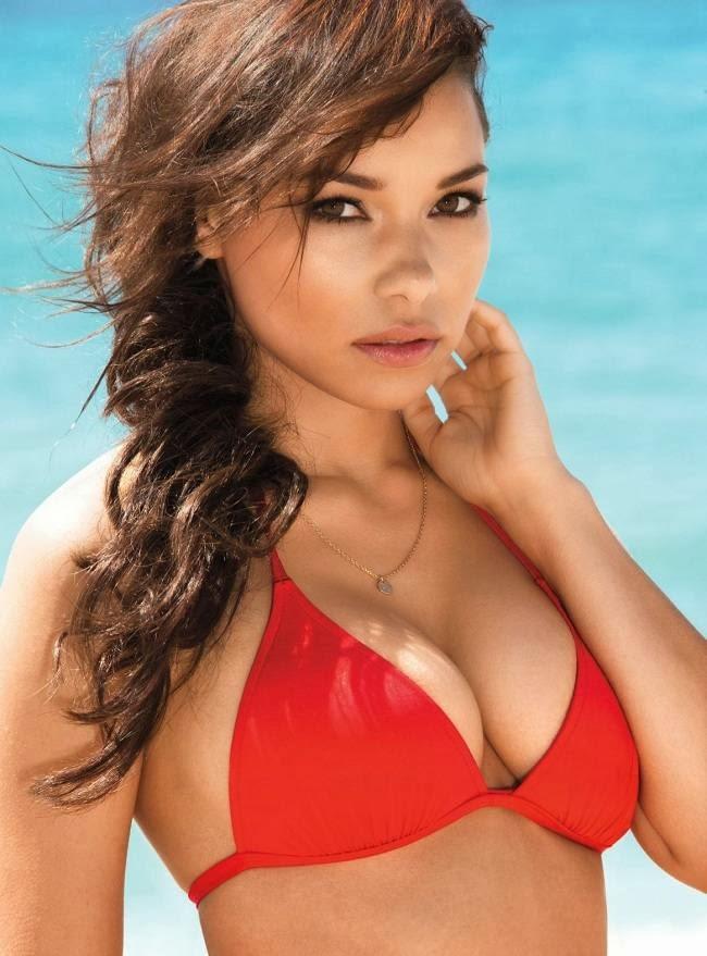 "La Actriz Jessica Parker Kennedy, En Bikini Para La Revista ""Maxim"". Foto 1"
