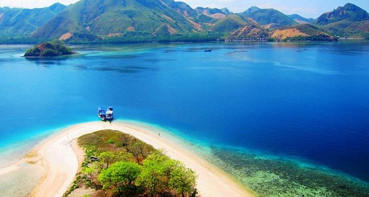 Ragam Destinasi Wisata di Indonesia Timur yang Tak Boleh Dilewatkan