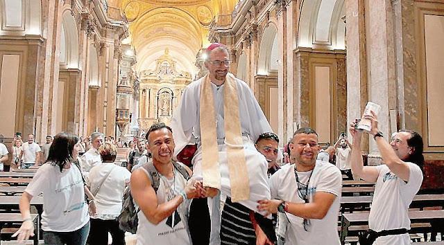La nueva Iglesia de Francisco: cura villero es el nuevo obispo auxiliar porteño