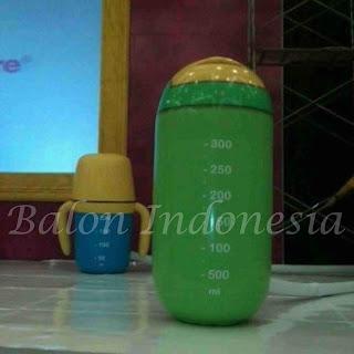 Balon dengan karakter bentuk botol
