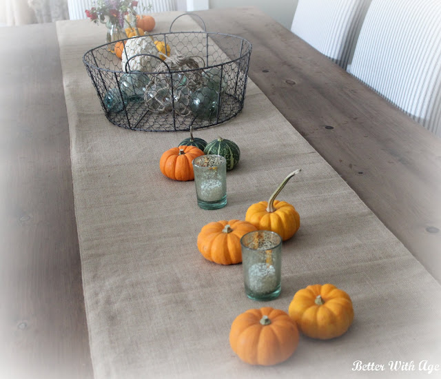 Thanksgiving tablescape www.somuchbetterwithage.com