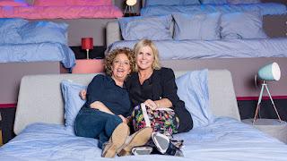 Brigitte Kaandorp eerste bedpartner voor Irene Moors in nieuw seizoen Naar Bed Met Irene
