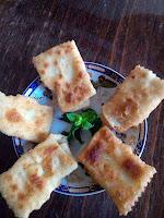 Πιταράκια τηγανητά με τυροζούλι - by https://syntages-faghtwn.blogspot.gr