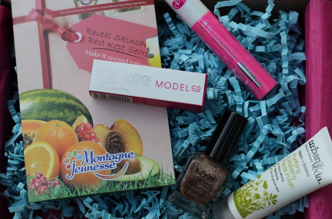 Unboxing of the June Love me Beauty box - menu 3