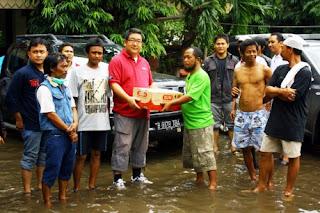 Nissan Motor Indonesia Kirimkan Bantuan Korban Banjir