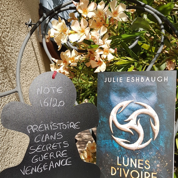 Ivory and Bone, tome 1 : Lunes d'ivoire de Julie Eshbaugh