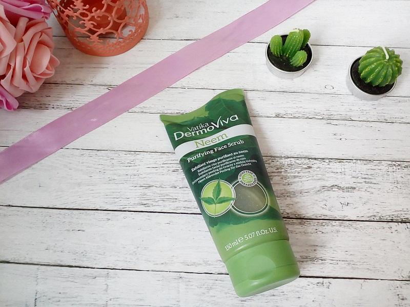 Oczyszczający peeling do twarzy z neem | Helfy.pl