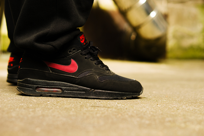 21ef0b22a5 on my feet today. nike air max 1