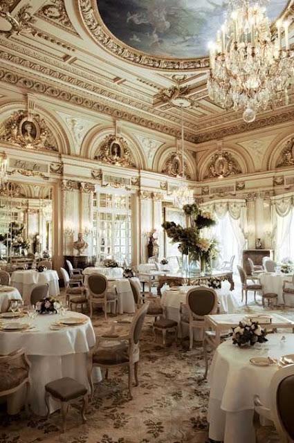 Thiết kế nhà hàng tiệc cưới phong cách cổ điển
