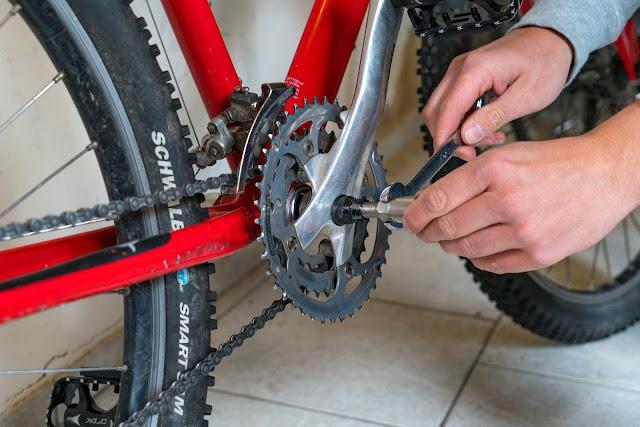 E-Bike-Umbau So baust du dir dein eigenes E-Bike mit Mittelmotor  DIY E-MTB Anleitung zum E-Bike Umbau mit Bafang BBS01 Mittelmotor E-Bike selber bauen aus altem Mountainbike 07