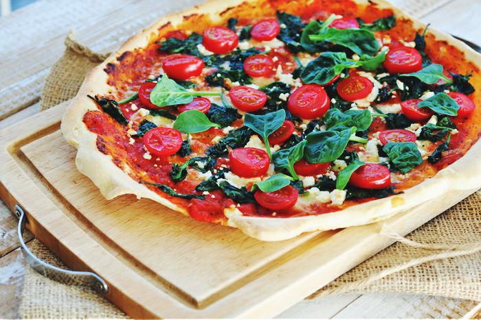 http://www.monikabregula.pl/2018/04/pizza-ze-szpinakiem-i-serem-feta.html