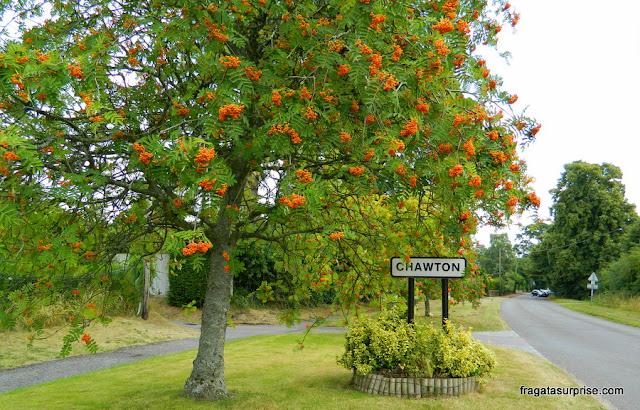 Chegada à vila de Chawton, Inglaterra, onde Jane Austen morou
