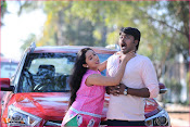 Karulo Shikarukelthe Movie Stills-thumbnail-9